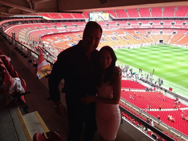 Me and @thedavidseaman are here and ready for kick-off #COYG #wembley http://t.co/bo5dLFy1Wb
