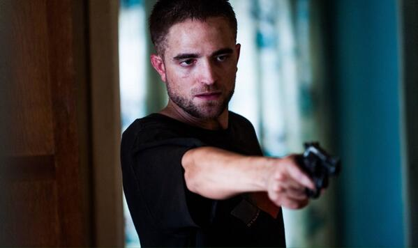 NEW: @TheRoverMovie reviews are in, and what can we say.. Rob is wowing the critics at Cannes! http://t.co/e6WF1wkuzM http://t.co/4oN83lHPWX