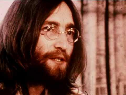 #johnlennon #beatles #thebeatles John Lennon & Yoko Ono: Give Peace A Chance http://t.co/eu8HElf3eD http://t.co/b0CbGPY70C