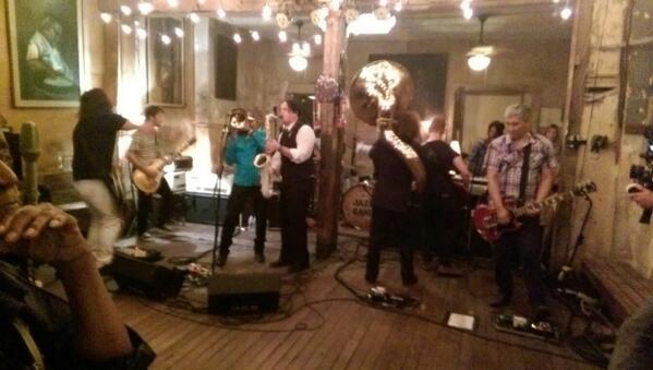 Epic @FooFighters, Preservation Hall, & Trombone Shorty jam. http://t.co/Z38eV7U7oi