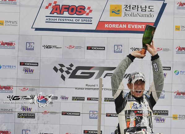 GT ASIA第2戦韓国 レース2もレース1から引き続き勝てました!!  やったーーー!!!!!!!  海外GT戦2連勝なんて、夢みたいです!!  チームスタッフ、チームメカ、ランボルギーニ、 みなさんのお陰です!! http://t.co/RmUmue1IA0
