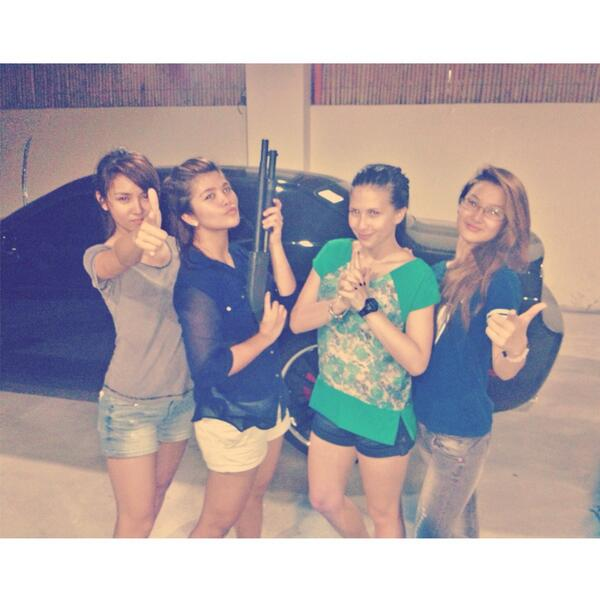 Played bang sack with these girls last night bahahahaha @tippydossantos8 @bernardokath @ChieFilomeno http://t.co/OB57C2sxnq
