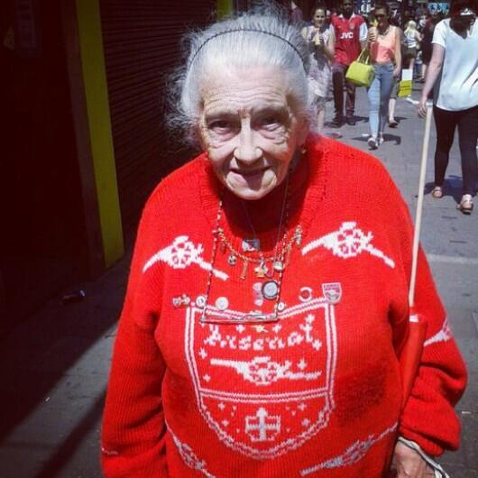 It's hectic in Holloway, Highbury & Islington. Every orifice filled by the Arsenal. But this lady is so serene. http://t.co/4L61omfH2h