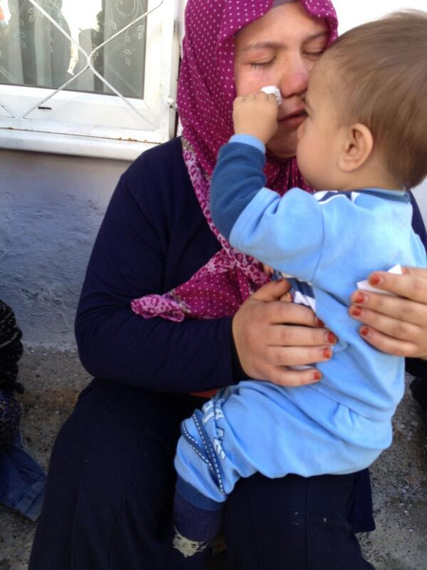 these faces r etched in my memory & symbolize #Soma disaster: Yunus Emre (18 months) dries tears of his mother Asiye http://t.co/CUurjURIGL