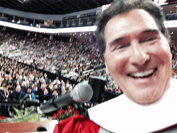Commencement today at Sacred Heart University in CT! Thanks for my hon. Degree! #SHUgrad http://t.co/6ErliTHPcR