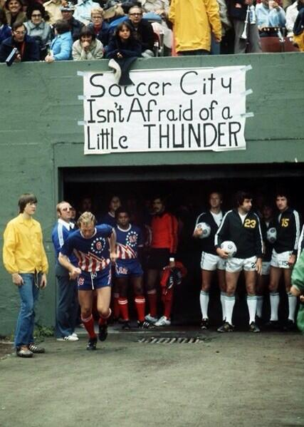 """Soccer City isn't afraid of a little thunder."" @TimbersFC welcome Bobby Moore and the San Antonio Thunder in 1976. http://t.co/xQvk7y0iwr"