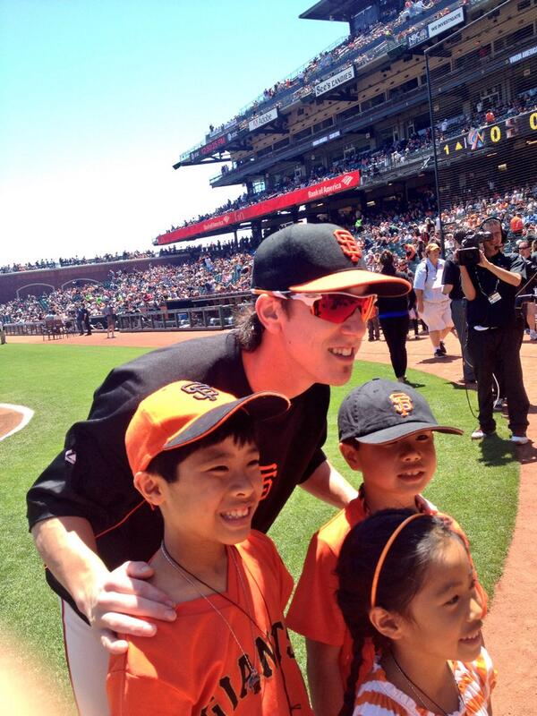 BREAKING NEWS: Tim Lincecum has shaved his mustache. http://t.co/9TWR1AlHLf