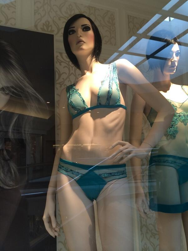 One week after @LaPerlaLingerie promised to remove mannequins with protruding ribs - they're still in shop windows. http://t.co/pgPmYQOvGf