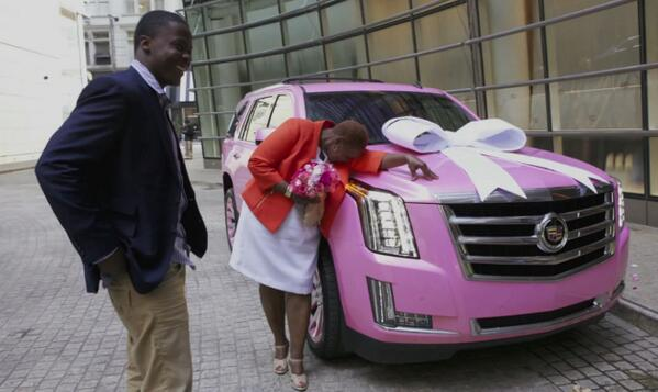 Here he is Vikes fans!  Teddy Bridgewater surprises mom w/ pink Cadillac he promised her- http://t.co/CMNYcEct8Z  http://t.co/qLeBPUMRSF