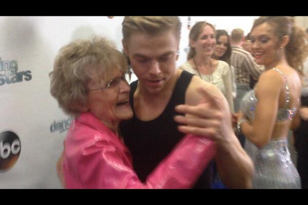 Thank you @derekhough for changing a very special 95yr old lady's life! #grateful #classact #number1fan http://t.co/7gBWc8Te3t