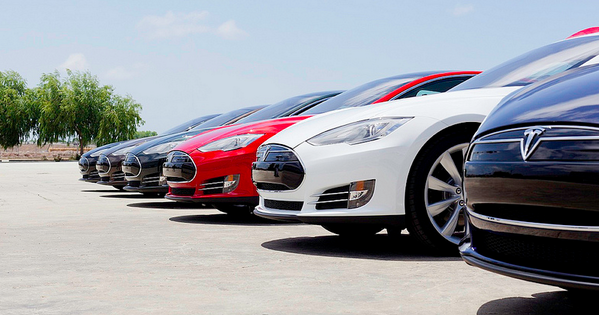 Tesla Earnings: Big Picture More Critical Than Small Details Mark Rogowsky Tesla reports... http://twitter.com/lucasbonini/status/463994896206934016/photo/1