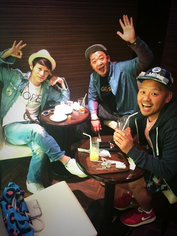 昨日、TAKUYAと一翔を応援しに大阪に来たんやけど、そのTAKUYAを応援しに来た僕の兄貴。 http://t.co/A9qT4ZuyX9