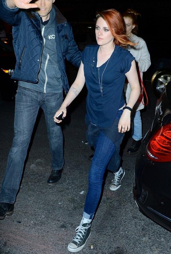 Kristen Stewart in 7 For All ... #7ForAllMankind #CelebritiesInDenim #KristenStewart - http://t.co/laYhUClGTI http://t.co/V3RTnuBa8g