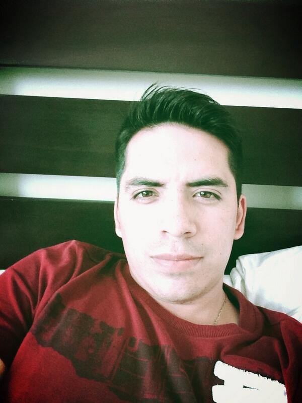 Arturo Vargas Rios (@LosPrimosArturo): Q rico calor me están dando ganas de un albercaso quien me acompaña ?? http://t.co/tx0nnKcZJT