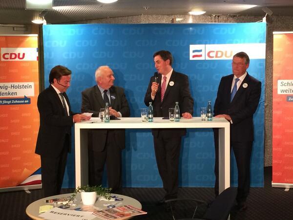 Heute Abend bin ich zusammen mit  @JosephDaul und @reimerboege in Norderstedt bei der CDU Schleswig-Holstein. http://t.co/A2QsOg2olP