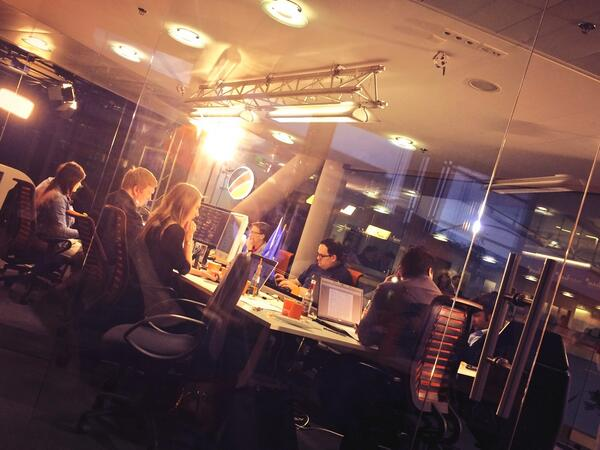 """""""@teamdeutschland: War Room ready! Let's win this! #tvduell #ep2014 #Europawahl http://t.co/Cz8nCcaaPn"""" Super Aktion des teAMs!"""