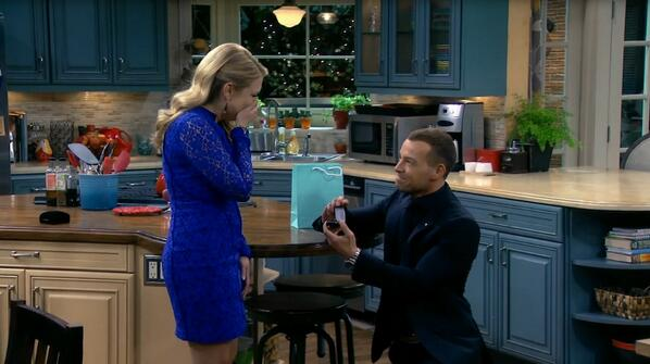 """Mel Burke, will you marry me?"" – Joe. OMG! RT if you started screaming! #MelissaandJoey #JoesProposal http://t.co/0JSkYrDsIj"