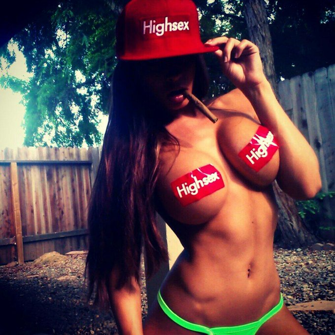 Come get on that #HighSex with me! ;) @maxwlkn @wlknstore hookin it up xo http://t.co/UORPoZ8zcc