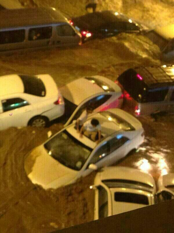 "Horrific photo of alleged floods in Mecca, KSA. ""@Safwat_Safi: RT @Jawal_Makkah: سيول #مكة الان http://t.co/oZKhJWRqg0"""