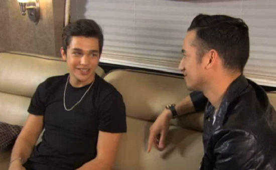 No such thing as TMI for #Mahomies! @ytvcarlos caught up with @AustinMahone for a quick Q&A: http://t.co/u3C7I37cbJ http://t.co/IDSCyUHbKT