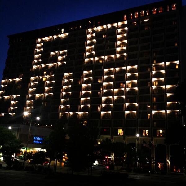 Downtown #SanAntonio showing some @Spurs love. #SpursNation #Spurs #GoSpursGo http://t.co/WfSmydJOZP