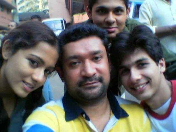 """""""@kenghosh: Come to think of it, we took the 1st bollywood selfie 11 yrs ago #11YearsOfIshqVishk http://t.co/dbhyOrUE5K""""waaah wht talent"""