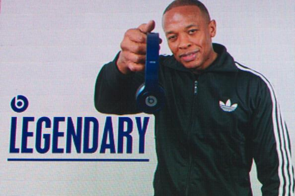 Salute to Dr Dre for reportedly selling Beats Electronics to Apple for $3.2 billion! http://t.co/NW0QtEQQRK http://t.co/cGUu4XHhjC