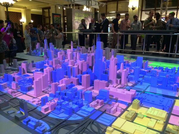 Chicago: City of Big Data opened last night at @chiarchitecture. Come join the conversation! http://t.co/dh5743HpvH http://t.co/LXTN7Gv1ow