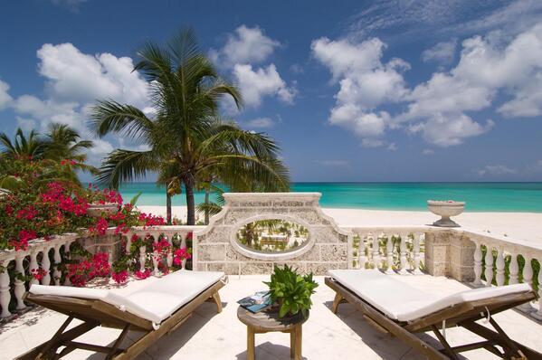 #Luxury #Beach #Villa ! Coral House, Grace Bay, Turks & Caicos #Caribbean #vacation #travel http://t.co/3DOz5ZTeQd via @CaribiqueVillas