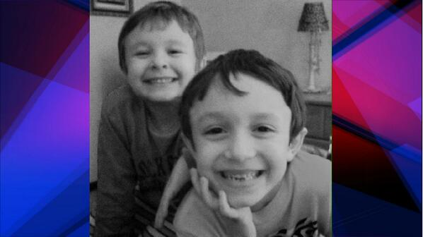 MORE ON LODI MISSING KIDS:Anthony & Nicholas Jordan wearing maroon shirts,khaki pants.Connected to poss murder scene. http://t.co/5eYGgfh1Fk