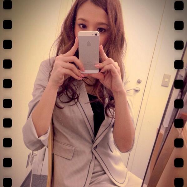 今日はスーツを着ています✩ http://t.co/xwZuicfZSk