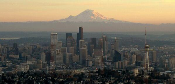 Panoramio photographer Long Nguyen caught a perfect shot of our lovely city. http://t.co/qHH1VpnSUN