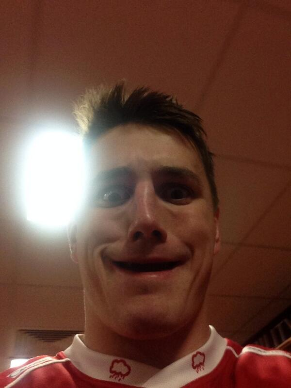 What a pleasure to have played this mans last game tonight. @JonFoxDavies #selfie http://t.co/MaM5xVqG8y