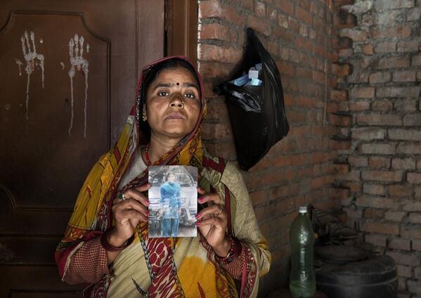 Niet voor iedereen is het #moederdag. Help ons meisjes uit de prostitutie te bevrijden. Sms FREEDOM naar 4333 http://t.co/GmaWPowAWA