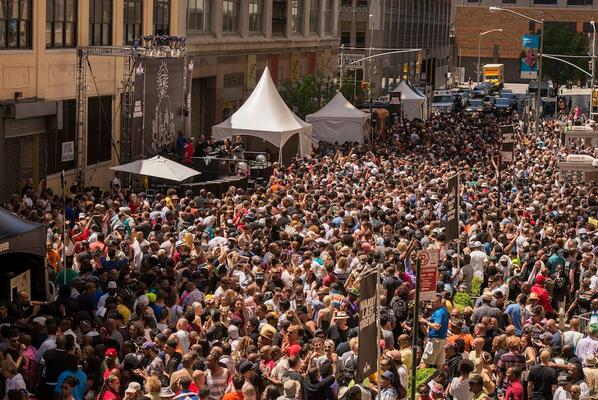 This is happening in New York right now #LarryLevanStreetParty @RBMA http://t.co/QAKhiL0u5q