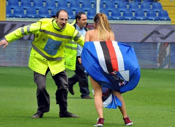 BnYTZYICMAA 6ea Attractive female streaker carried off by steward during Sampdoria v Napoli! [Pictures]