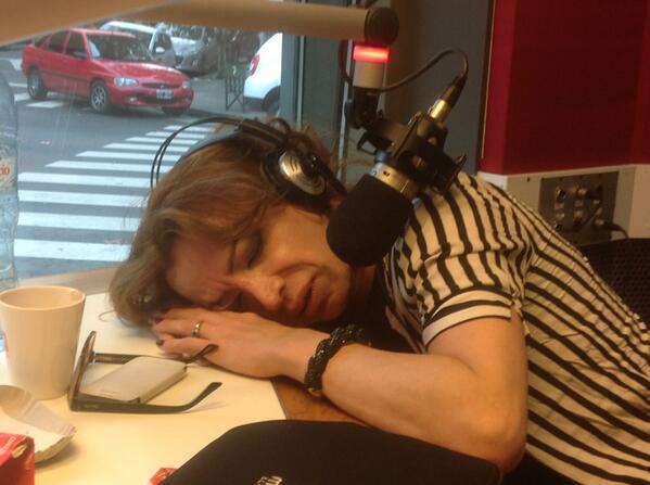 Diego Brancatelli (@diegobranca): Así hace Radio @lizytagliani !!! Con @nachobulian @soylacarbonell @guillebidondo @pablobenvenutti #MañanasCampestres http://t.co/foLdecygK9