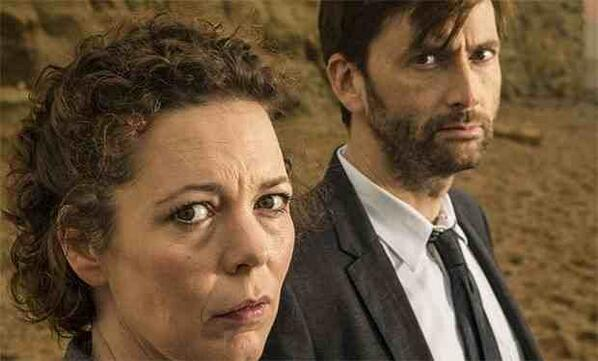 EXCLUSIVE! @David_Tennant Olivia Colman & @RattyBurvil ALL return for #Broadchurch series two http://t.co/HBjtFtr37F http://t.co/JpFJIxYtT7
