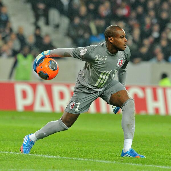 Enyeama in action for Lille [via @losclive]