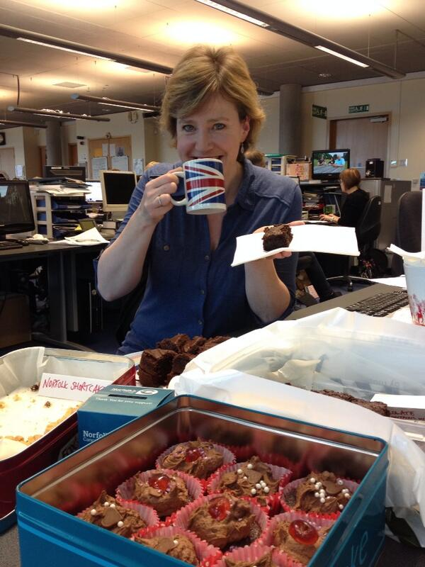 Susie Fowler-Watt (@susiefowlerwatt): I'm having a Big Cuppa (ok, and a big brownie) for Big C - why don't you? @bigctweets http://t.co/2uW7upvk1D