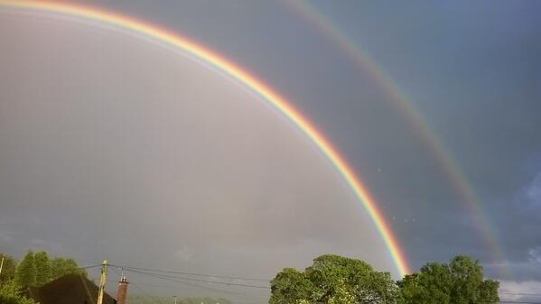 Double rainbow #Macclesfield http://t.co/u8I6bF8YdS