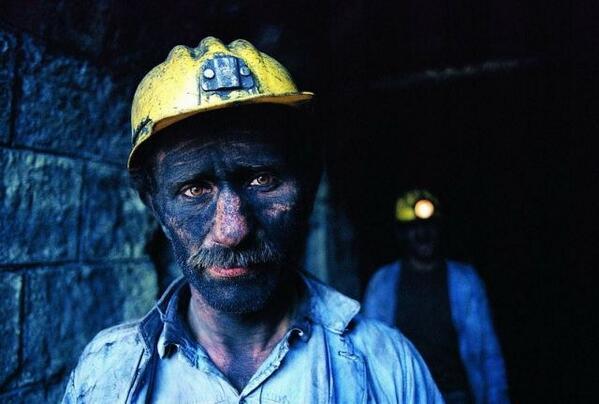 Baattin (@picadambaattin): Kalbimiz ve dualarımız #Soma'da. Hala madende bulunanların bir an önce kurtarılmasını umuyoruz. http://t.co/Wrem4hny78