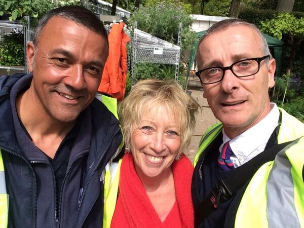 #RHSChelseaselfie with @clevewest & her excellency Carol Klein http://t.co/CxoDheVAGO @hayleymonckton http://t.co/Csc1cOyTIg