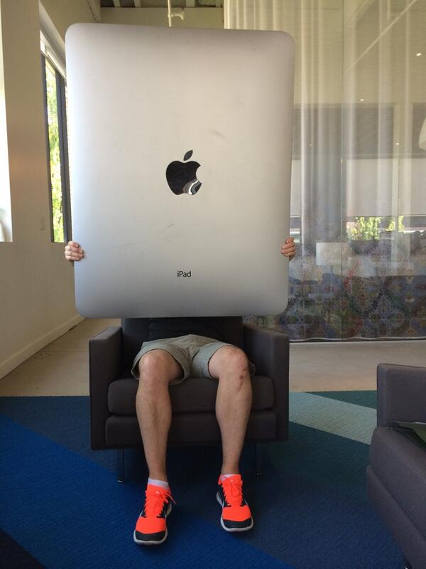 Want RT @samradford: So it turns out Apple IS working on a larger iPad http://t.co/pvdcYKGWht