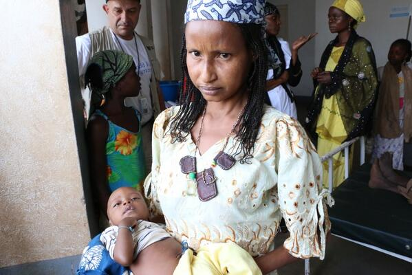 In Boda, #CAR, Salma's son Suleiman is treated for malnutrition in a small health centre w/ @WFP food & Plumpy Sup: http://t.co/EUpDZszoG6
