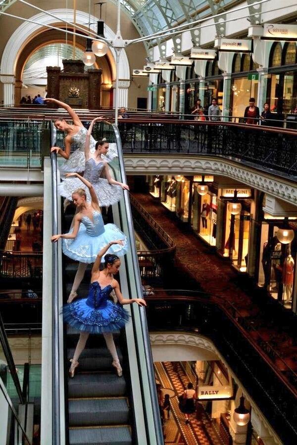 Just dancing...on an escalator.... http://t.co/BqwmBTDkgp
