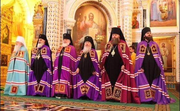 Members of Russian Orthodox Church (see picture) condemn bearded lady who won Eurovision as sign of moral decline: http://twitter.com/theJeremyVine/status/466649491899432960/photo/1