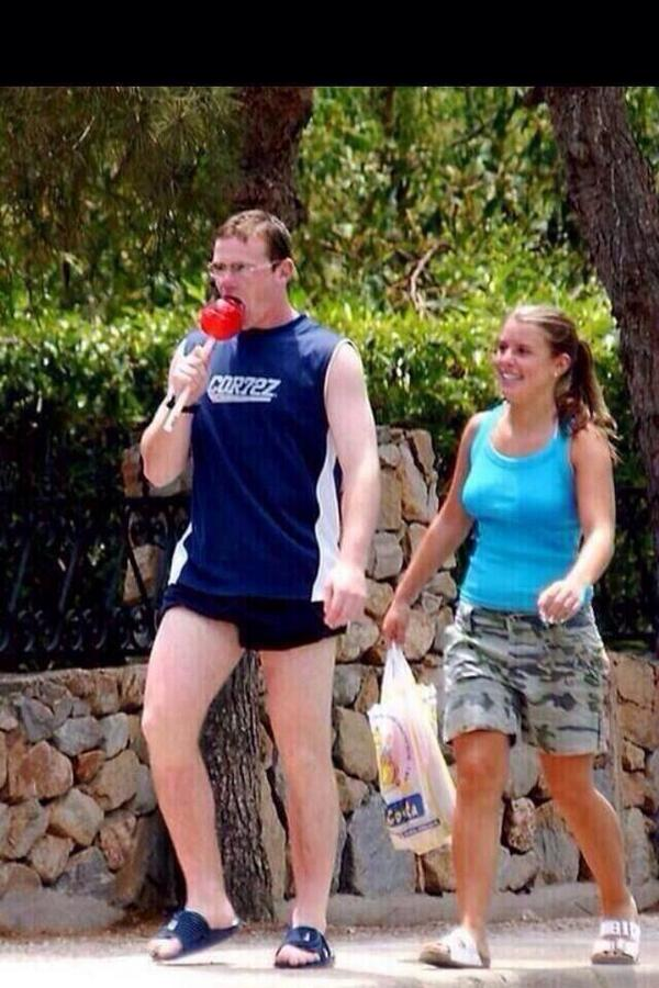 Rooney's on £300k a week and he literally gives no fucks http://t.co/fhsctCISNT