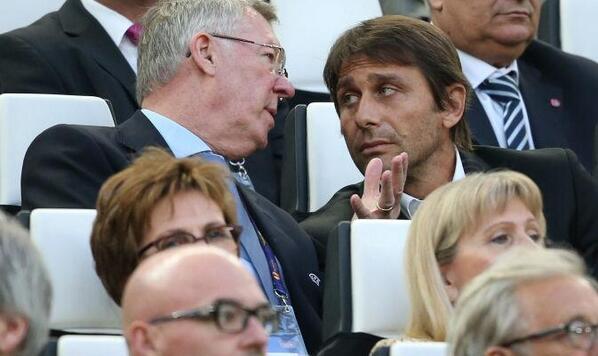 BnpePrOIIAEF2A5 Alex Ferguson was talking to Antonio Conte about bringing Arturo Vidal to Man United [SportMediaset]