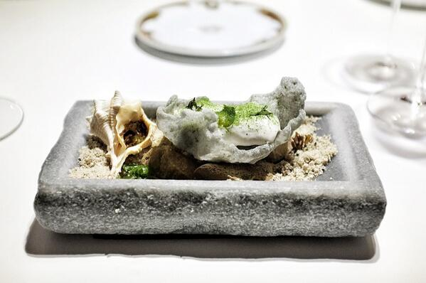 Beautifully done oyster fritter w oyster mayo, oyster water shell & wakame powder at 3* @QiqeDacosta http://t.co/qOuN2PJIkn
